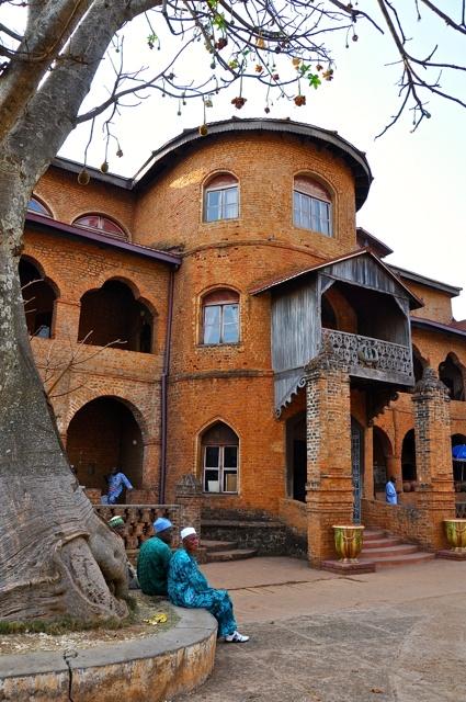 Palácio do sul, Camarões