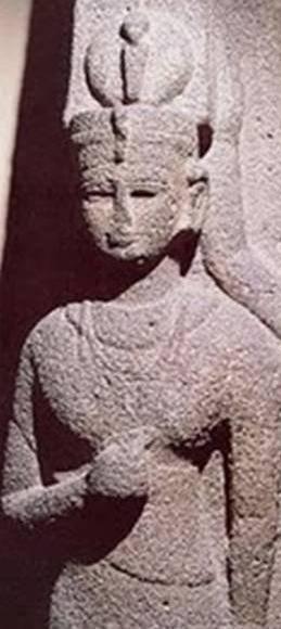 Shanakdakhete era uma rainha governante Negro Africano de Kush, quando o reino foi centrado em Meroë. Ela é a primeira rainha governante conhecido de Núbia, e reinou de cerca de 177-155 aC