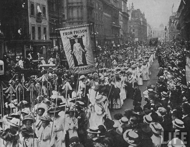 Suffragette_demonstration_1910-620x480