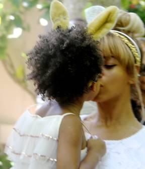 Petição pede para Beyoncé pentear cabelo da filha