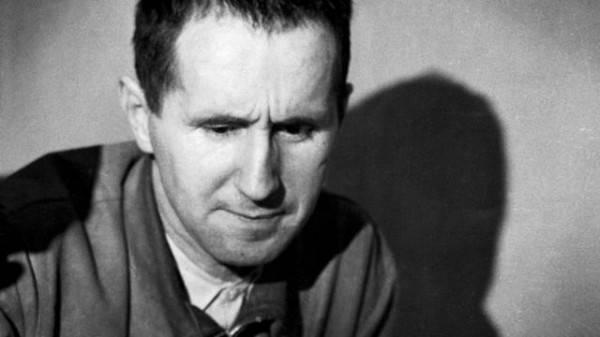 'O pior analfabeto é o analfabeto político': a atualidade de Bertold Brecht