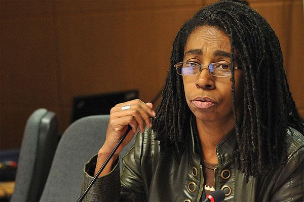 'Internalização do racismo afeta a saúde' por Jurema Werneck