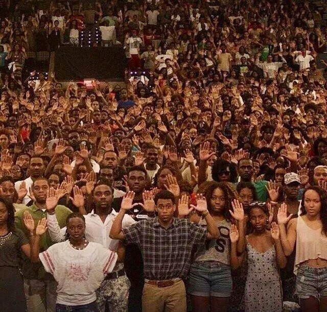 O assassinato de Michael Brown e o racismo institucional nos Estados Unidos e no Brasil