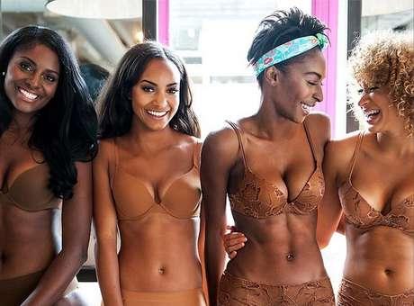 Marca lança lingerie cor de pele para mulheres negras