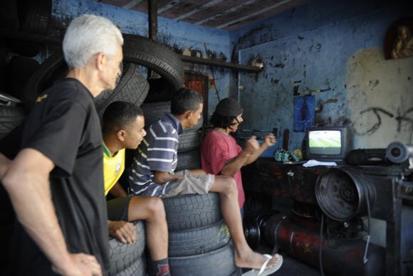 Moradores de favelas do Rio movimentam R$ 12,3 bilhões por ano