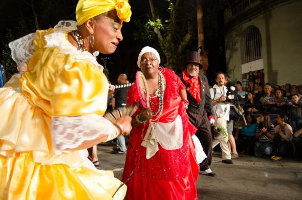 candombe-velhas-dançando