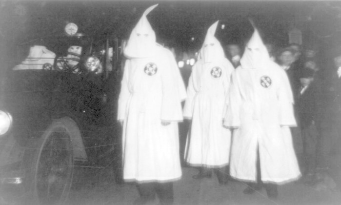 Líder do Ku Klux Klan em Montana diz que portas estão abertas para negros, gays e judeus