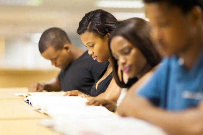 Número de negros em universidades brasileiras cresceu 230% na última década; veja outros dados