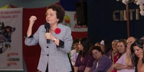 Deputada Cristina Almeida e Ministra Luiza Bairros discutem o fortalecimento da Política Nacional de Promoção da Igualdade Racial nos Estados.