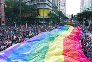 Preconceito e assassinatos: A cada hora, um gay sofre violência no Brasil; denúncias crescem 460%.