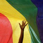 Lésbicas são mais bem pagas do que mulheres heterossexuais, diz pesquisa