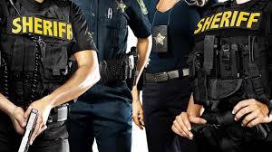 De vítima de racismo a policial