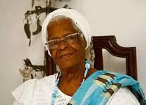 Mãe Stella de Oxóssi comemora 90 anos e fala sobre planos