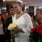 Secretária adjunta transexual de Porto Alegre se casa