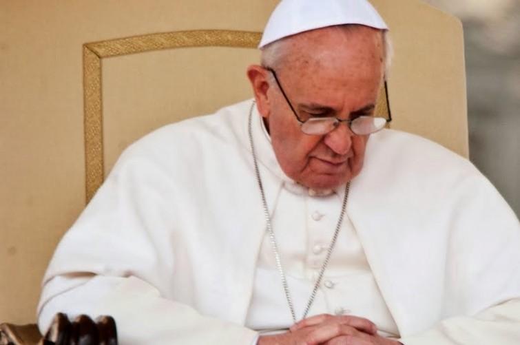 Bilionário ameaça parar com doações se Papa continuar a pedir apoio aos mais pobres