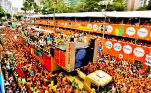 Carnaval de Salvador e o processo de elitização dos espaços públicos
