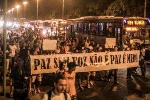 A revolta dos moradores do complexo de favelas da Maré