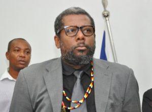 Representante do movimento Reaja ou Será Morto pede desmilitarização da PM em audiência