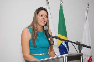 Vereadora quer criar 'Dia Municipal da Esposa do Pastor'