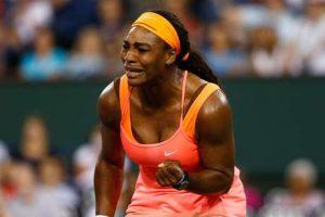 Serena chora ao encerrar longo boicote a torneio por racismo