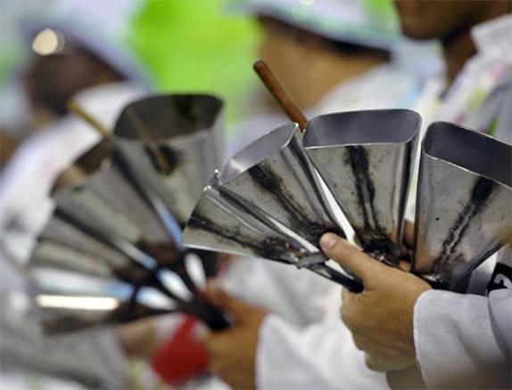 A-cultura-musical-africana-introduziu-muitos-instrumentos-em-todos-os-países-no-Brasil-por-exemplo-o-xekerê-o-agogô-a-cuíca-Foto-Divulg