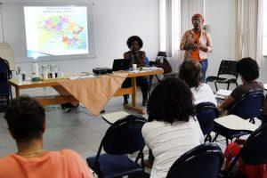 Curso orienta professores sobre relações étnico-raciais em Macaé
