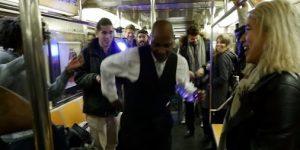 ASSISTA: Eles transformaram o metrô de Nova York em uma balada (VÍDEO)