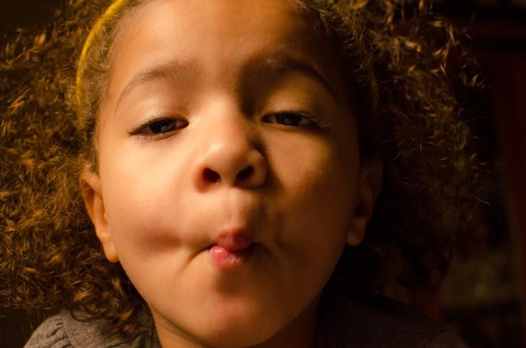 Ser mãe negra e jovem no Brasil