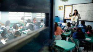 150430135010_school_brazil_624x351_agenciabrasil