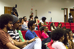 Estudantes do curso de Direito acompanham aos debates durante Ocupação