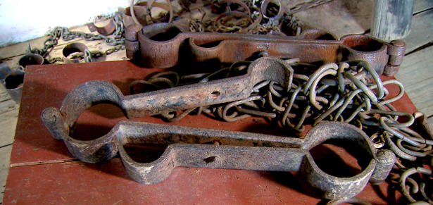 Por três séculos, o Brasil conheceu uma única forma de mão de obra: negros africanos escravizados.