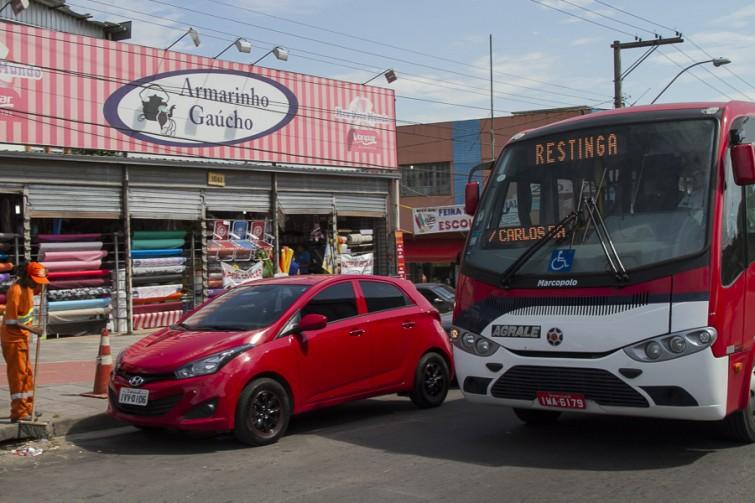 Lotação passou a circular no bairro em dezembro do ano passado | Foto: Filipe Castilhos/Sul21
