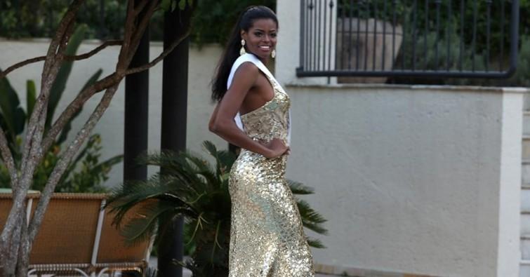 22jun2015---miss-sergipe-exibe-o-seu-vestido-de-gala-criado-pela-mari-ferrari-para-o-desfile-da-prova-de-trajes-de-gala-do-miss-mundo-brasil-2015-1435033008219_956x500