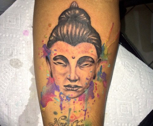 Tatuagem aquarela de Jesus Filosa