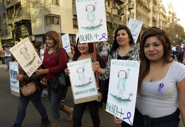 """A campanha """"Ni Una Menos"""" e por que não temos uma marcha contra o feminicídio no Brasil?"""