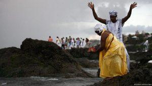 """A Intolerância Religiosa que mata na Bahia: """"queima satanás, liberta senhor, destrói a feitiçaria"""""""