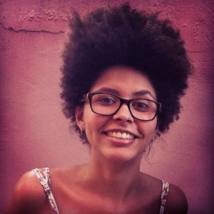 """Yasmin Thayná(KBELA): """"O negro é o único indivíduo no Brasil que precisa se assumir enquanto sua própria raça/etnia."""""""