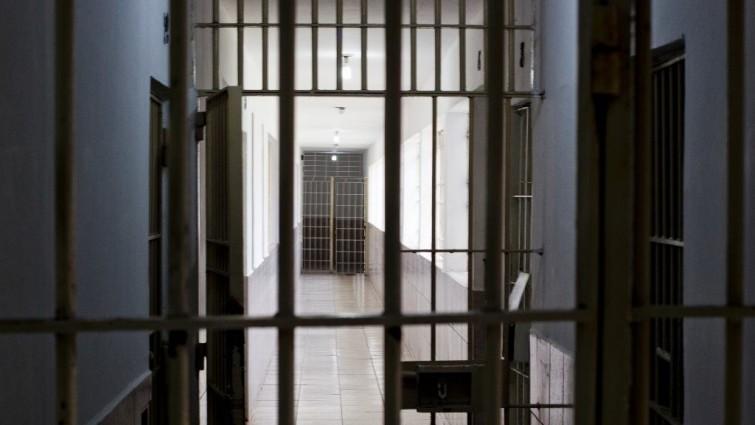 Redução da maioridade penal não reduz crimes violentos no país, diz FGV