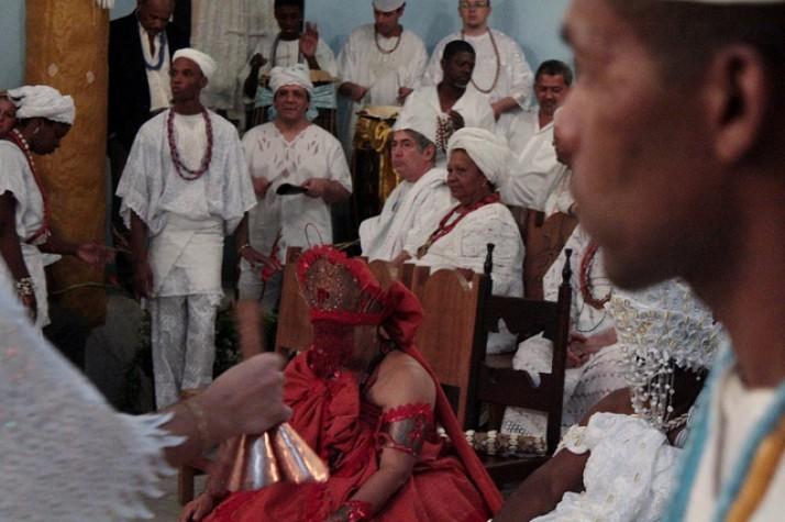 Negros e religiões africanas são os mais discriminados, mostra Disque 100