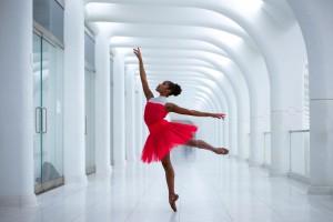 Ingrid Silva, bailarina brasileira que é solista do DTH (Foto: Underground NYC)