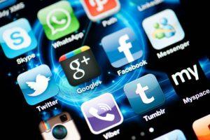 Texto que ironiza a forma como a mídia trata a crise viraliza nas redes sociais