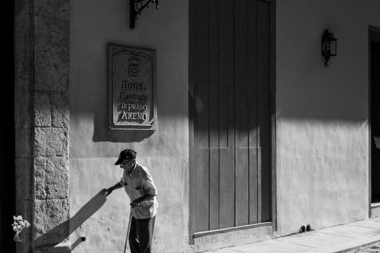 Hotel-Marques-de-Prado-Ameno-na-esquina-de-OReilly-com-Brasil-em-Havana-Velha.