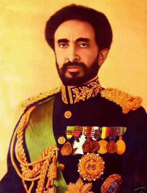 Os rastas se caracterizam pela adoração a Haile Selassie, primeiro imperador negro a governar um país africano. (Foto – Reprodução)