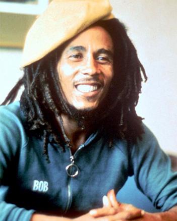 Seguidor-da-cultura-Rastafari-Bob-Marley-foi-o-responsável-por-popularizar-a-filosofia-e-os-dreads-em-todo-o-mundo.-Foto-Bob-Marley-Divulgação