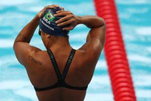 A cor da água: racismo e oportunidade para negros nas piscinas