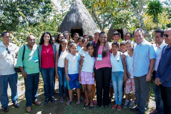 Professores têm desafio de ensinar cultura afro-brasileira, diz diretora