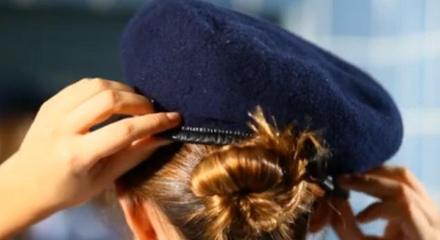 Assédios e até suicídio: O feminicídio também usa farda policial no Brasil