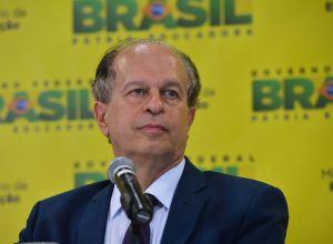 Renato Janine Ribeiro, ministro da educação, teve que vir a público explicar o porquê do recuo na criação do Comitê de Gênero.