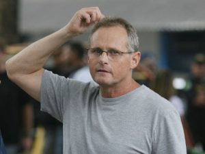 Após arrastões e morte de jovem, secretário do Rio ganha prêmio de pacificação