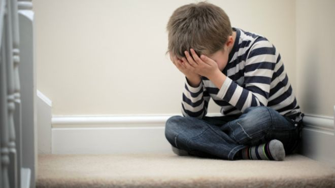 Campanha #PrimeiroAssédio expõe tabu de violência sexual contra meninos